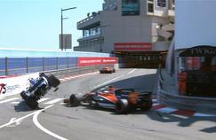 Jenson Button (à droite) envoyant dans le décor Pascal Wehrlein (à gauche)