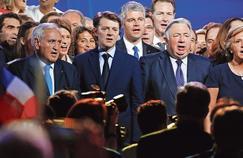 Bernard Accoyer, Christian Jacob, Jean-Pierre Raffarin, François Baroin, Laurent Wauquiez, Gérard Larcher et Valérie Pécresse (de gauche à droite) réunis lors du grand rassemblement autour de François Fillon, le 9 avril, porte de Versailles, à Paris.