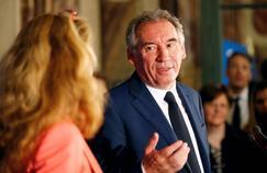 «Un certain nombre de forces, de puissances qui détestent l'idée d'une loi sur la moralisation de la vie publique agissent», explique François Bayrou.