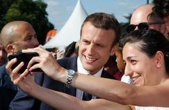 Sondage: les difficultés commencent pour Macron