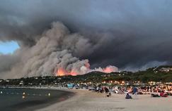 Dans le Var, la ville de Bormes-les-Mimosas livrée aux flammes