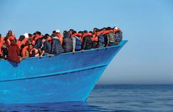 Macron fait le pari audacieux de stopper les migrants en Libye