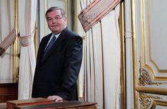 Attendu au Conseil constitutionnel, Michel Mercier épinglé pour avoir embauché sa fille au Sénat
