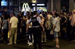 Nuit de désolation à Barcelone après l'attentat meurtrier