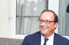 Hollande assure qu'il compte rester dans le jeu politique