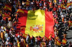 Les opposants à l'indépendance de la Catalogne déferlent