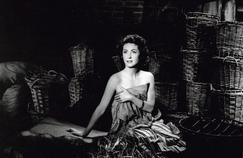Danielle Darrieux, cent ans de grâce