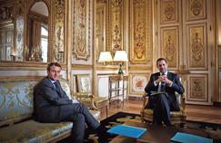 Emmanuel Macron ajuste son équipe gouvernementale