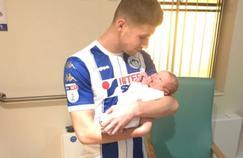 Deux buts et un bébé, l'insolite triplé d'un joueur de D3 anglaise