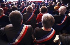 Les maires, populaires et fragilisés