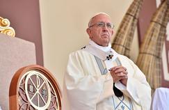 Le pape François dénonce avec force le «féminicide»