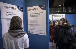 À Enghien-les-Bains, parents et lycéens découvrent Parcoursup avec sérénité