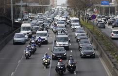 Des VTC en grève manifestent à Paris et dans plusieurs villes