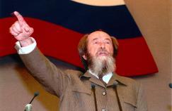 Hervé Mariton : «Jeune homme, jeune fille nés après la chute du mur de Berlin, n'oubliez pas Soljenitsyne!»