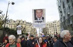 L'autorité d'Emmanuel Macron défiée par les syndicats