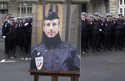 Un an après la mort de Xavier Jugelé, la «menace» plane toujours