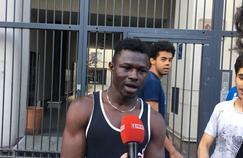 À Paris, le sauveur de l'enfant suspendu, témoigne : «C'est lui qui m'a donné le courage»