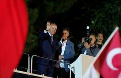Turquie: Erdogan revendique la victoire, l'opposition conteste