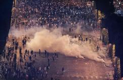 Près de 300 personnes en garde à vue après la victoire de l'équipe de France
