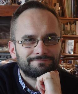 Fabien Révol est enseignant-chercheur titulaire de la chaire Jean Bastaire de l'université catholique de Lyon