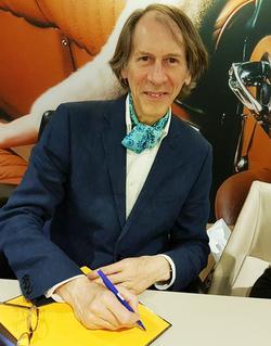 Olivier de Serres le 11 mai 2017, lors de la dédicace de son dernier ouvrage. (Philippe Doucet)