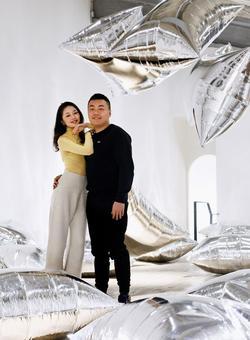 Les collectionneurs, Lin Han et son épouse Wanwan Lei.