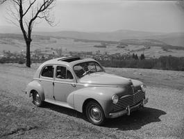 La Peugeot 203.
