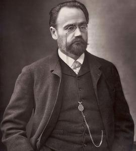 L'écrivain Émile Zola, ici vers 1871. Photo de Nadar.