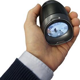 Sous la caméra, un écran tactile et la visualisation des images.