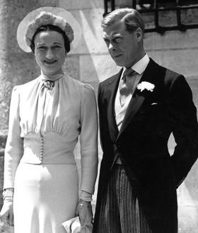 Le 3 juin 1937 Édouard Windsor, ex-roi d'Angleterre, épouse Wallis Simpson en Touraine.
