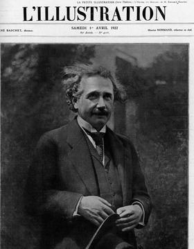 Albert Einstein en France en avril 1922. Il est reçu au Collège de France pour expliquer ses travaux sur la théorie de la relativité.