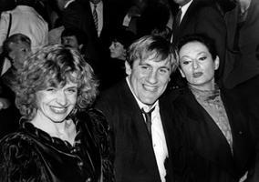Élizabeth Depardieu, Gérard Depardieu et Barbara, à la fin des années 80.