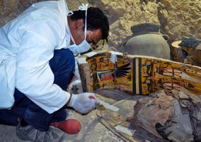 La tombe date de 3.500 ans avant J.-C.