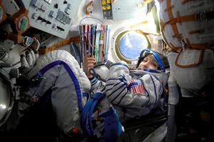 La femme d'affaires irano-américaine, Anousheh Ansari, en route pour l'ISS, en 2006. (Crédit:REUTERS/NASA)
