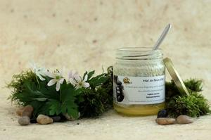 Les pots de miel sont personnalisés. © Un toit pour les abeilles.