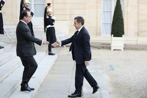 Nicolas Sarkozy reçu ce dimanche à l'Elysée par François Hollande