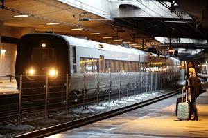 Une barrière temporaire a également été installée dans la gare de Kastrup, qui dessert l'aéroport de Copenhague et constitue le dernier arrêt avant la traversée du pont de l'Öresund vers la Suède.