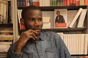 Lassana Bathily, le 29 décembre 2015, dans les bureaux des éditions Flammarion.