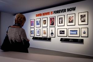 Exposition sur david Bowie à Groningue fait salle comble.