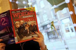 Photomontage du magazine populaire <i>Wprost</i> fait référence au nazisme avec les visages d'Angela Merkel, Martin Schultz et Jean-Claude Juncker.