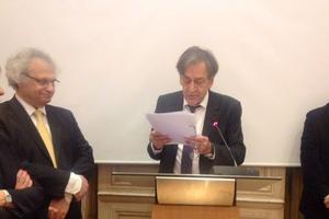 L'académicien franco-libanais Amin Maalouf et Alain Finkielkraut au Centre National du Livre.