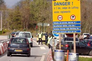 L'accident de 2007 avait entraîné une règlementation plus stricte de la circulation sur la rampe de Laffrey, en Isère.