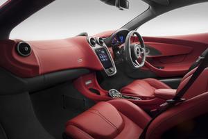 Par sa finition luxueuse, la McLaren 570 GT est orientée grand tourisme.