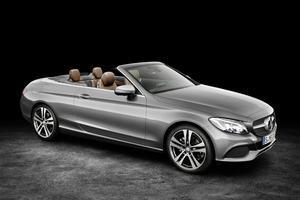 Pour la première foisde son histoire, Mercedes va enrichir son catalogue d'un cabriolet Classe C.
