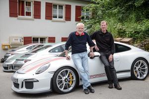Roland Kussmaul et Walter Röhrl: deux grands pilotes Porsche présents lors des essais.