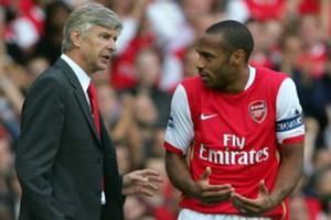 Arsène Wenger et Thierry Henry en 2007.