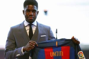 Samuel Umtiti lors de sa présentation au Camp Nou.