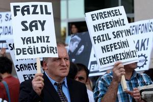 Manifestation pro Faliz Say