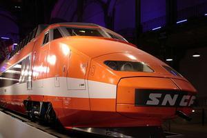 Le TGV «superbement orange» inauguré en 1981.