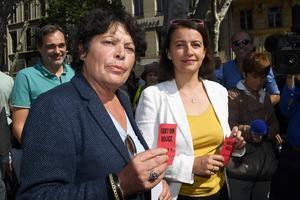 Michèle Rivasi et Cécile Duflot, lundi à Marseille.